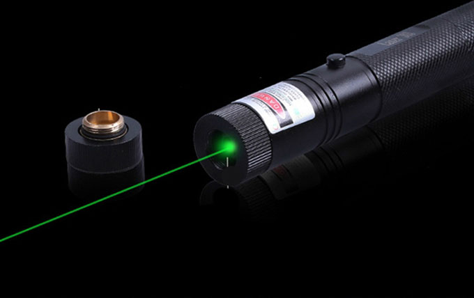 便宜的激光指针天文学