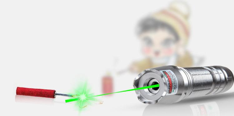 Laser pointer 500mw vert 532nm promo for Pointeur laser vert mw
