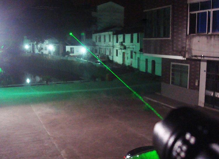 montage pour visée laser sur le poigné