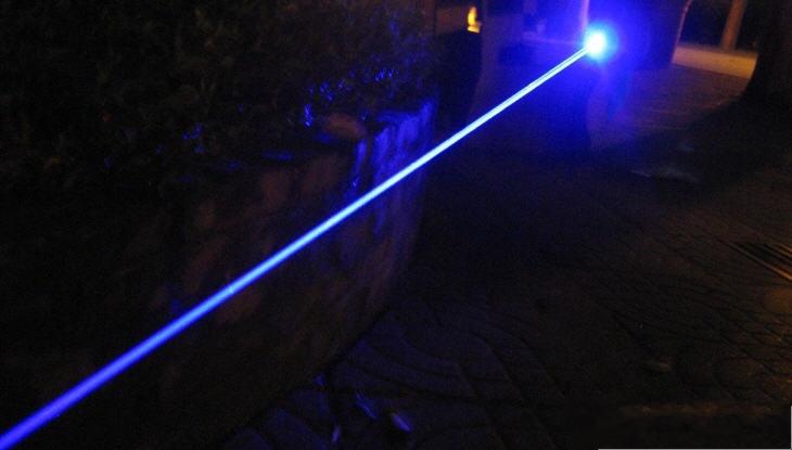 laser bleu 5w longue portee