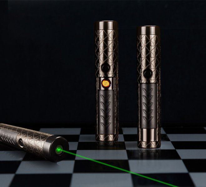 Portable cigarette briquet laser