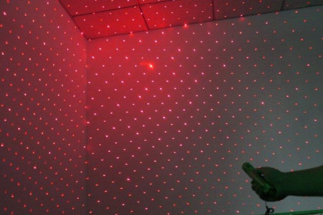 deux couleur pointeur laser