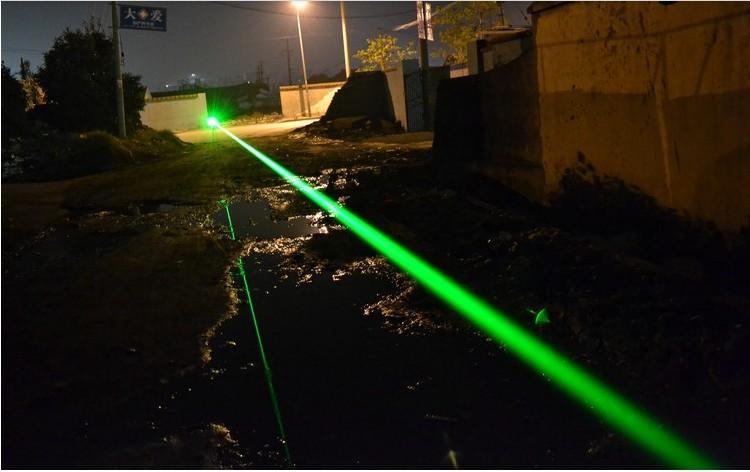 laser vert pointeur